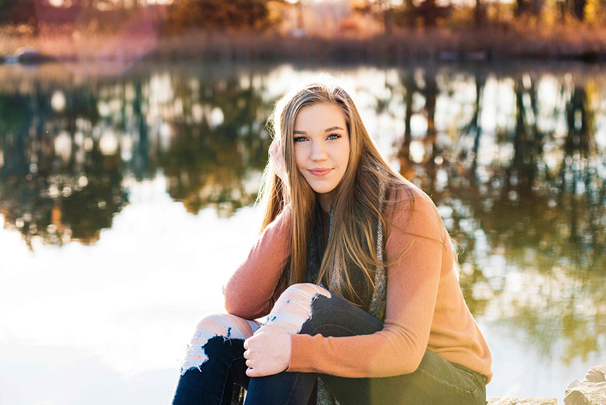 senior pictures in Waterford, MI by Trumbo Photography girl by lake